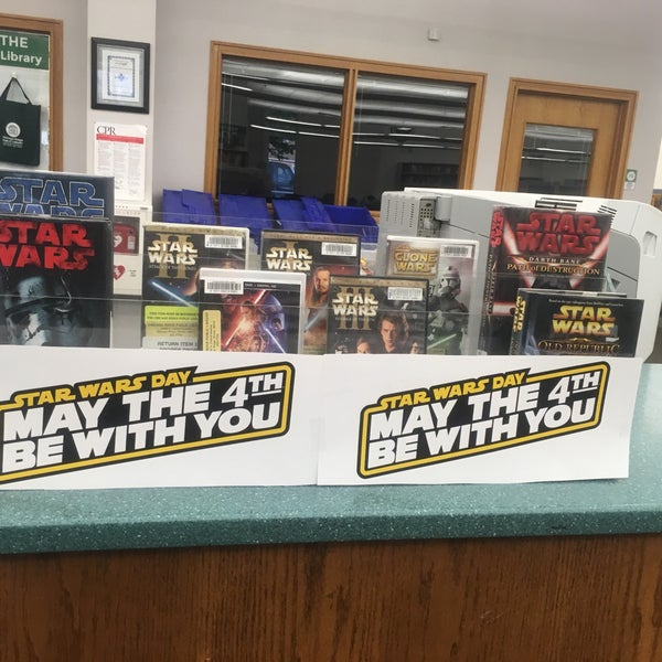 Photo taken at Chicago Ridge Public Library by J S. on 5/4/2017