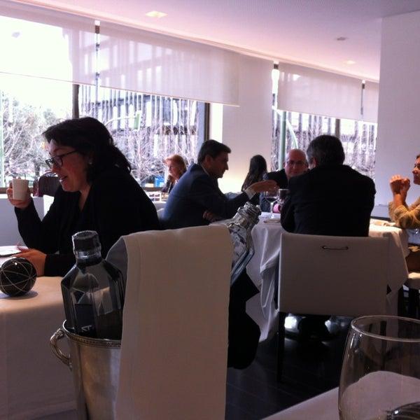 Foto tomada en M29 Restaurante Hotel Miguel Angel por Iván R. el 3/14/2013