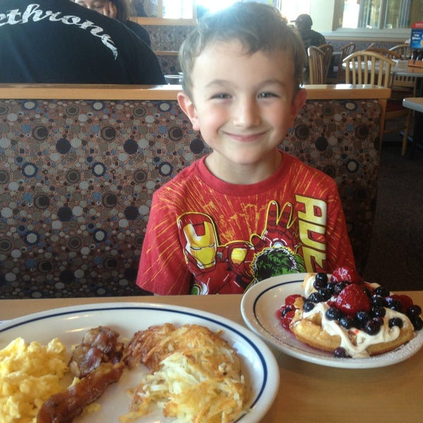 Photo taken at IHOP by Tracy B. on 8/25/2013