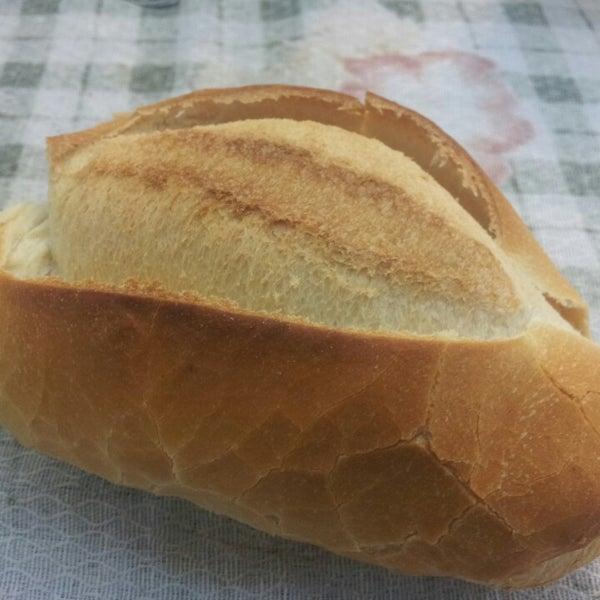 Srs. Balconistas, se não tem pão branco, avisem, pq tem gente, como eu, que não suporta pão torrado e fica chateada quando chega em casa e vê que trouxe qualquer coisa.