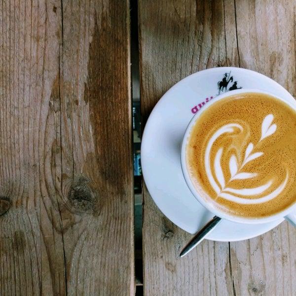 Photo taken at Kaffeewerk Espressionist by ibsu on 11/25/2016