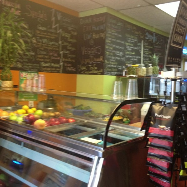 Veggies natural juice bar crown heights 29 tips from for Food bar 527
