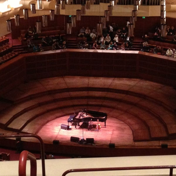Photo taken at Louise M. Davies Symphony Hall by Carmen on 6/10/2013