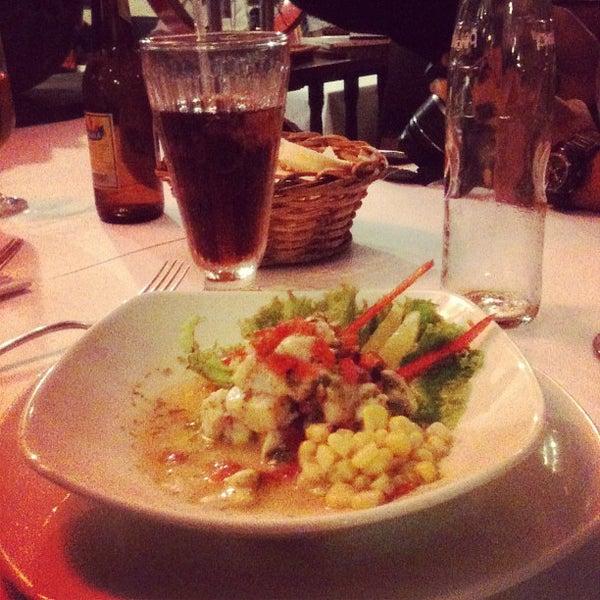 Foto tomada en Donde Olano Restaurante por Kathy B. el 5/13/2013