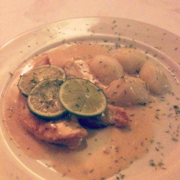 Foto tomada en Donde Olano Restaurante por Kathy B. el 5/17/2013