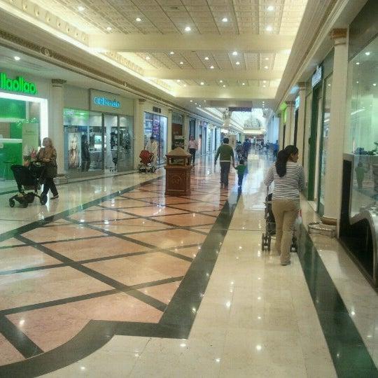 Foto tomada en C.C. Gran Via 2 por José M. el 10/18/2012