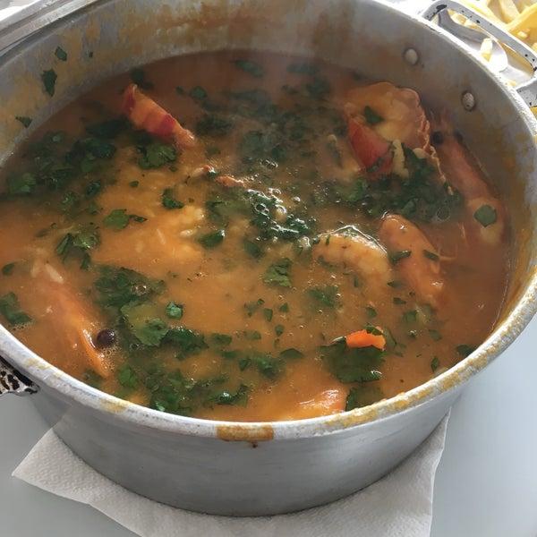 Fui atras dos comentários sobre o marisco algumas pessoas dizem que é o melhor do mundo esta muito longe disso mais parecia sopa de abóbora com camarão um lagostin e ameijoa e muito doce