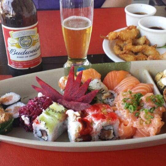 Foto tirada no(a) Hachi Japonese Food por Mayara Y. em 8/12/2014