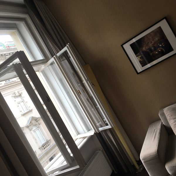 Das Foto wurde bei MyPlace Hotel City Centre von Raed M. am 8/11/2017 aufgenommen