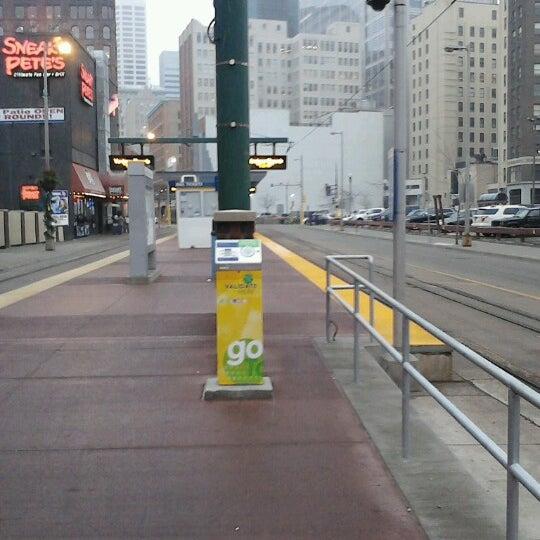 Warehouse District/Hennepin Ave LRT Station