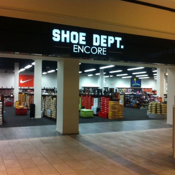 Oak View Mall Shoe Stores
