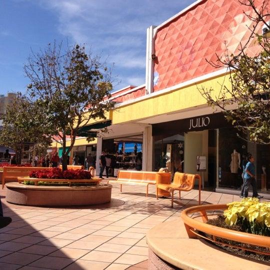 Foto tomada en Plaza del Sol por Rogelio V. el 12/16/2012