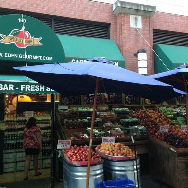 Garden of eden marketplace brooklyn heights 180 montague st for Olive garden brooklyn ny 11239