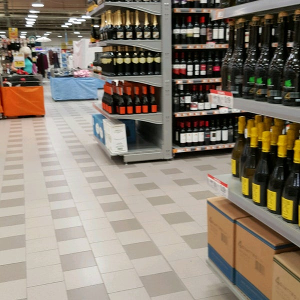 Photo taken at Ipercoop by Petra F. on 7/21/2017