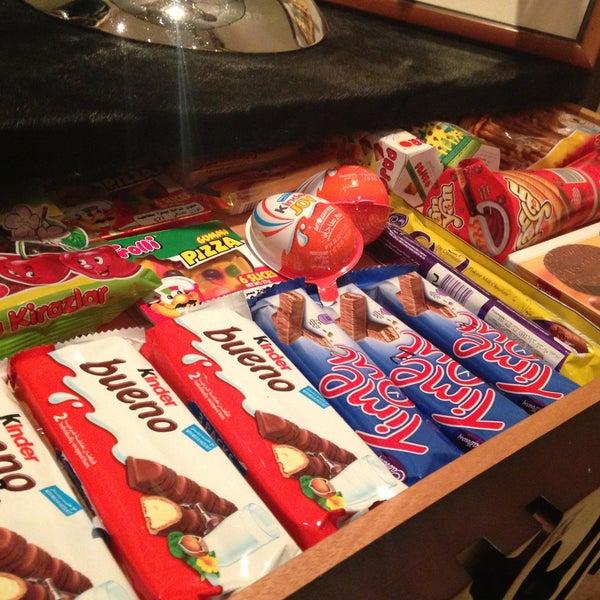 Al Humood Candy Shop حلويات الحمود الملك فهد 3034