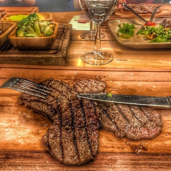 7/19/2018 tarihinde ♚DEMÍR♚ziyaretçi tarafından Assado Steak House'de çekilen fotoğraf