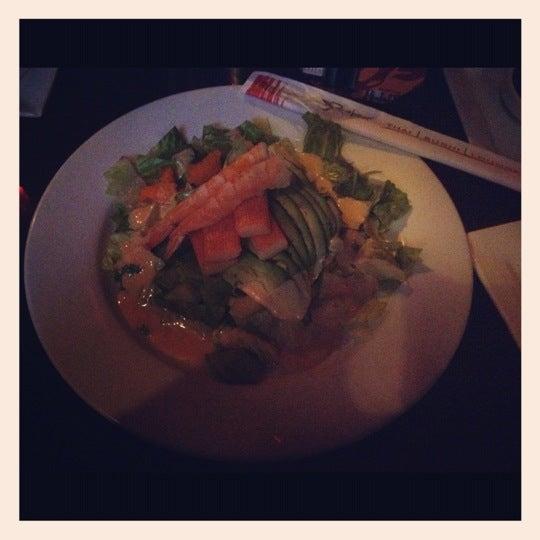 Foto tomada en Red Koi Thai & Sushi Lounge por Joanna V. el 4/12/2013