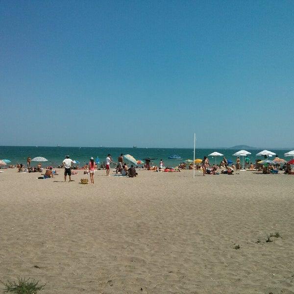 Foto scattata a Централен Плаж Бургас (Burgas Central Beach) da Borislav S. il 7/28/2013