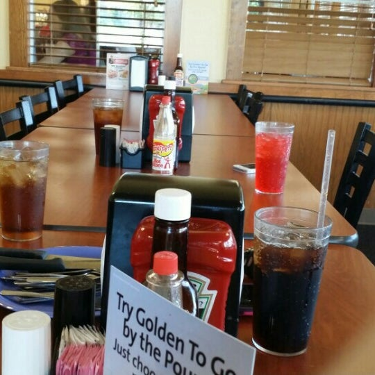 Photo taken at Golden Corral by Dave H. on 7/25/2015