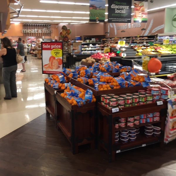 Photo taken at Fry's Food Store by Roland T. on 11/8/2016