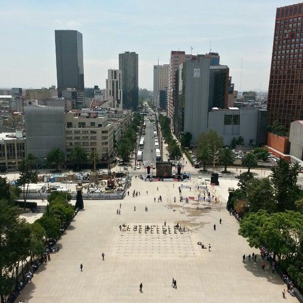 Das Foto wurde bei Mirador Monumento a la Revolución Mexicana von Joryx J. am 6/19/2013 aufgenommen