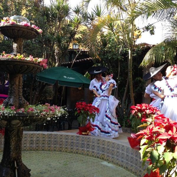 Foto tomada en El Patio por ALEX K. el 12/22/2012