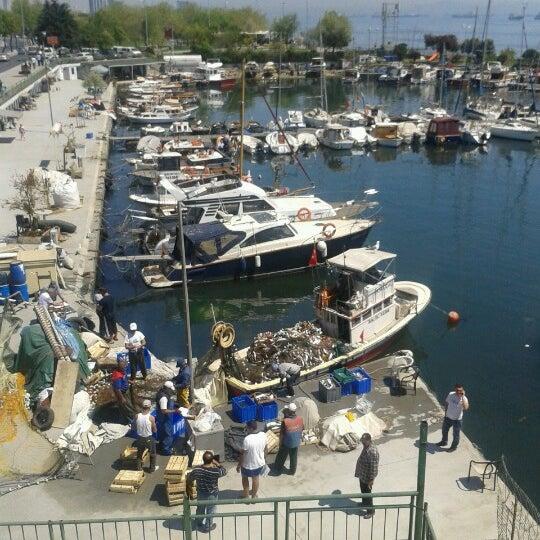 4/27/2013 tarihinde Tugce B.ziyaretçi tarafından Ataköy Marina'de çekilen fotoğraf
