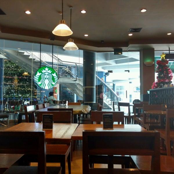 Photo taken at Starbucks by Satya W. on 12/26/2016