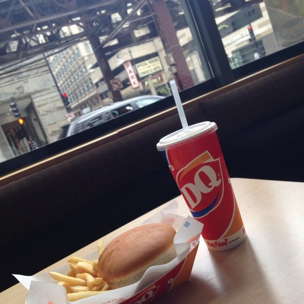 Photo taken at Dairy Queen by Aّmoُon on 6/11/2014