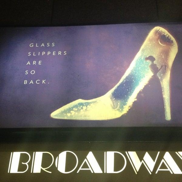 3/21/2013にJacindaがBroadway Theatreで撮った写真
