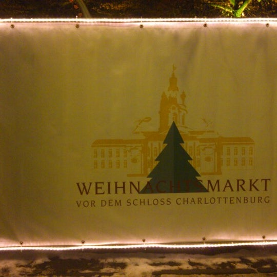 Photo taken at Weihnachtsmarkt vor dem Schloss Charlottenburg by Michael K. on 12/15/2012