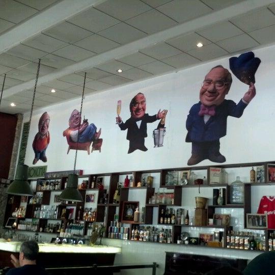 Foto tirada no(a) Verissimo Bar por Rodrigo S. em 12/20/2012