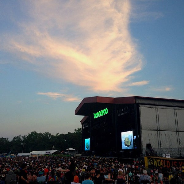 Photo taken at What Stage at Bonnaroo Music & Arts Festival by Yessica . on 6/16/2013