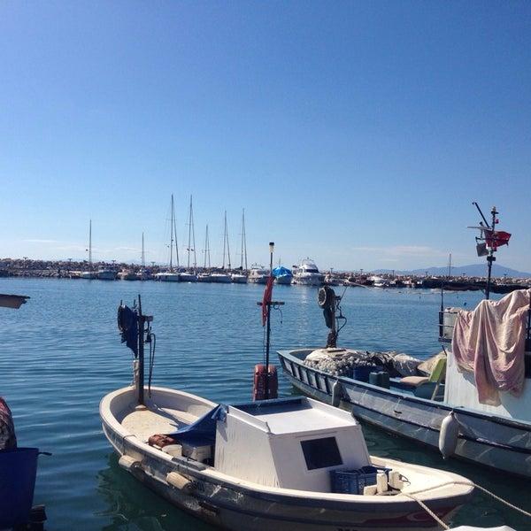 10/19/2013 tarihinde Gamze S.ziyaretçi tarafından Küçükkuyu Limanı'de çekilen fotoğraf