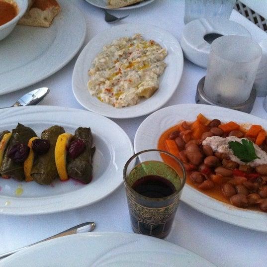 7/22/2013 tarihinde Ayşegül K A.ziyaretçi tarafından Matbah Restaurant'de çekilen fotoğraf