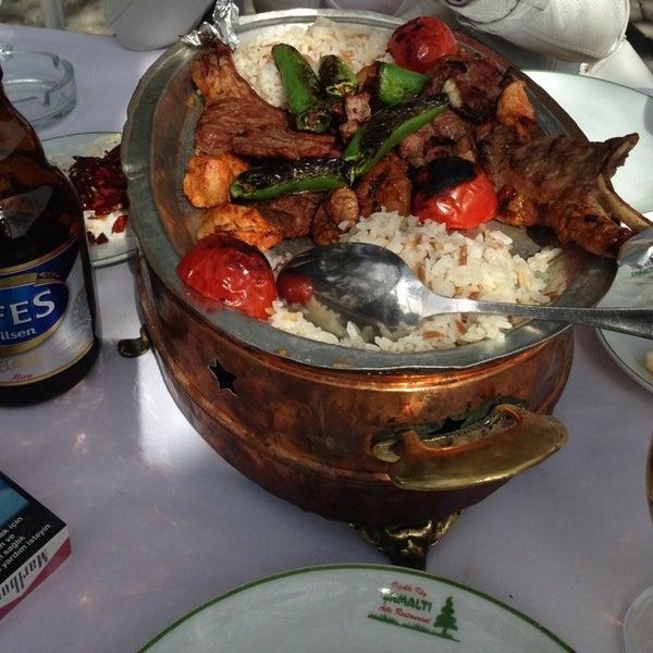 3/31/2013 tarihinde Sait L.ziyaretçi tarafından Çamaltı Restaurant'de çekilen fotoğraf