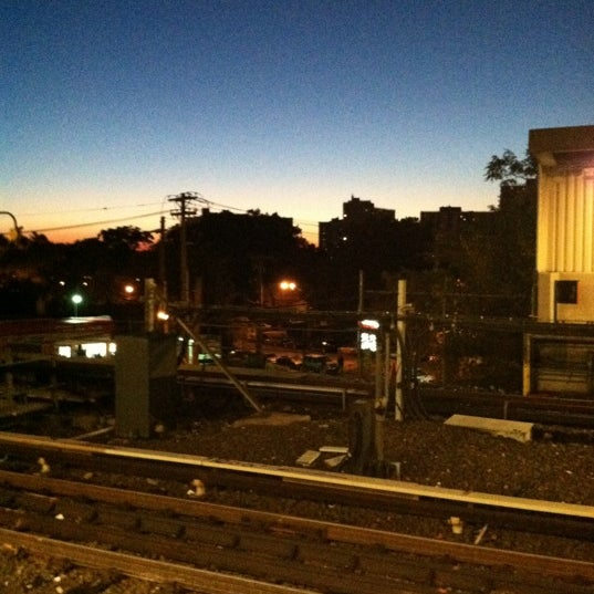 Photo taken at MTA Subway - Baychester Ave (5) by Alcibiades D. on 10/22/2012