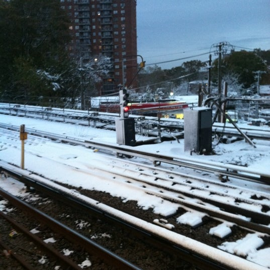 Photo taken at MTA Subway - Baychester Ave (5) by Alcibiades D. on 11/8/2012