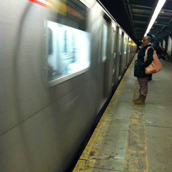 Photo taken at MTA Subway - Baychester Ave (5) by Alcibiades D. on 1/15/2013