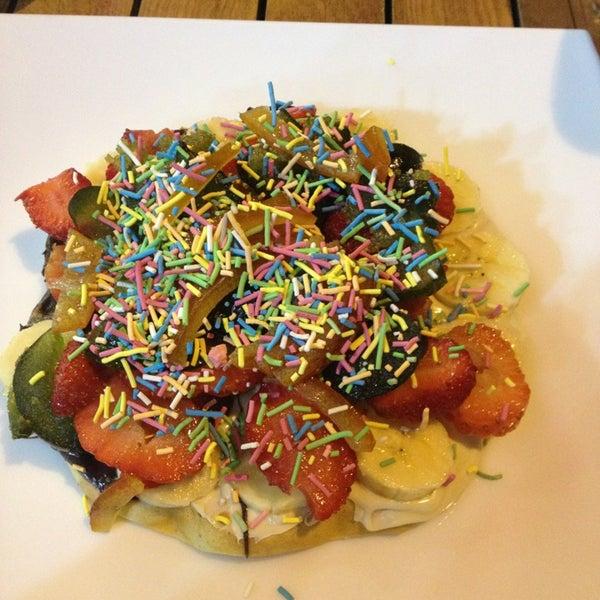 1/5/2013 tarihinde Özge🎶ziyaretçi tarafından Waffle Edem'de çekilen fotoğraf