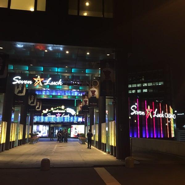 Photo taken at Seven Luck Casino by Hiroki K. on 5/19/2016