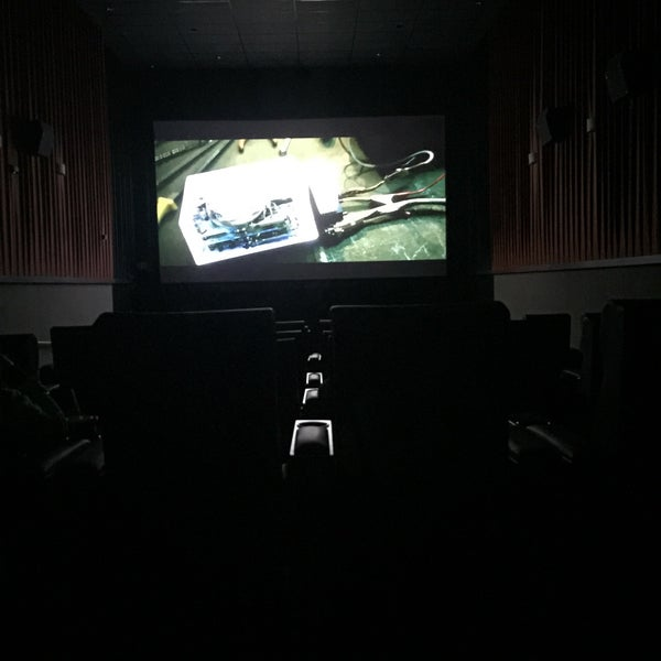 Photo taken at Regal Cinemas Fairfax Towne Center 10 by NAIF 7. on 2/12/2015