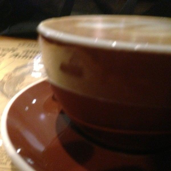 1/11/2013 tarihinde Adam H.ziyaretçi tarafından Thinking Cup'de çekilen fotoğraf