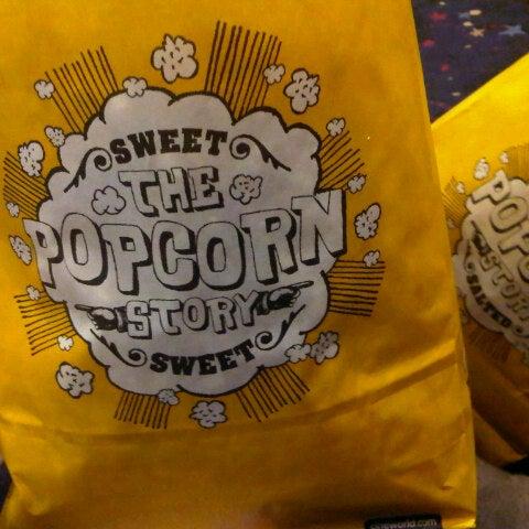 Photo taken at Cineworld by Eein R. on 10/17/2012