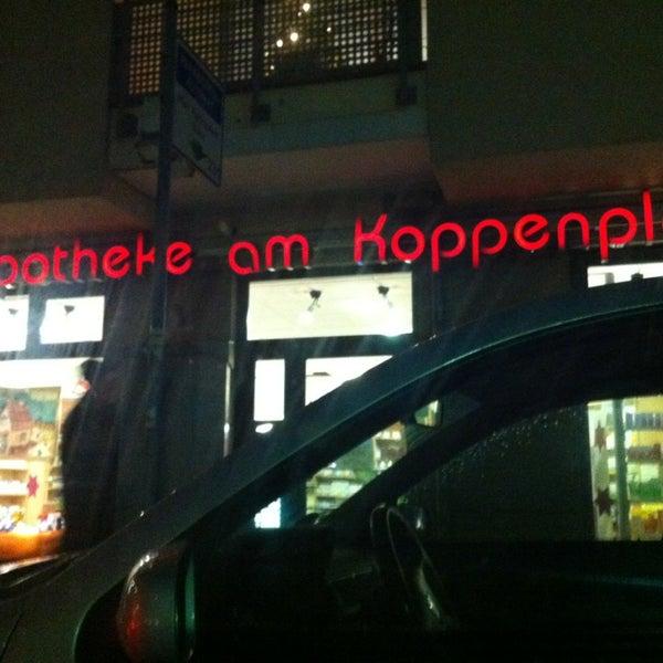 Das Foto wurde bei Apotheke am Koppenplatz von Alex W. am 1/2/2013 aufgenommen