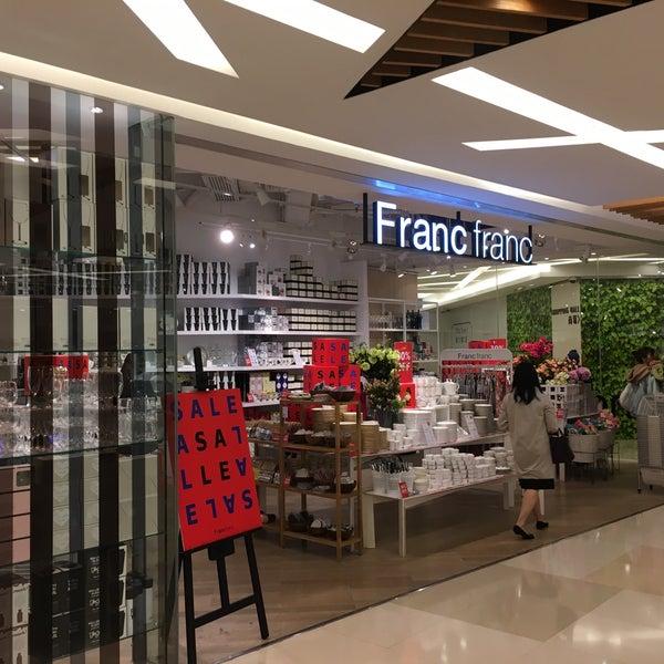 Francfranc Furniture Home Store In Hong Kong
