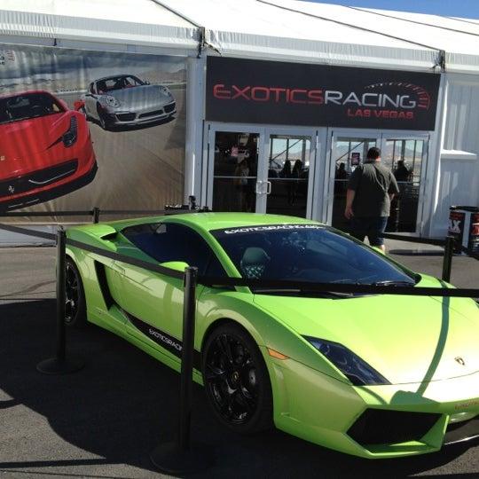 Foto tirada no(a) Exotics Racing por Fernandinho A. em 10/29/2012