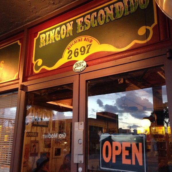 Foto tomada en Rincon Escondido Cafe por Andrew B. el 5/12/2014