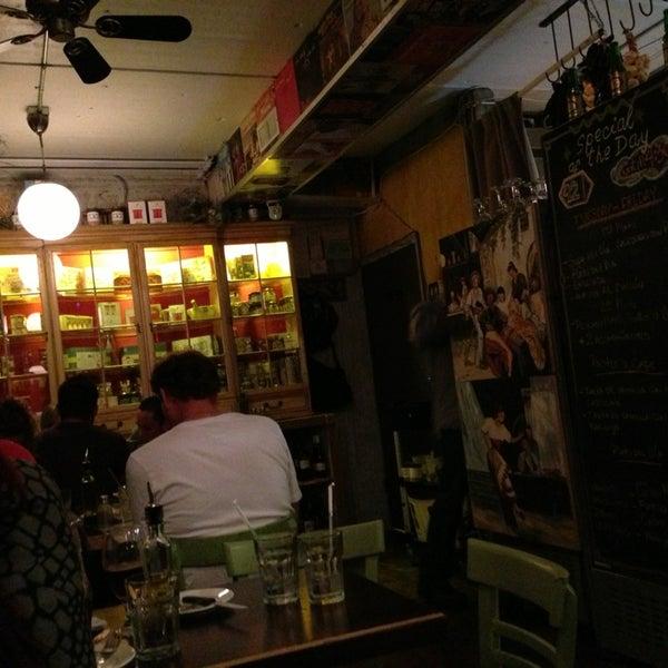 Foto tomada en Rincon Escondido Cafe por Andrew B. el 2/2/2013