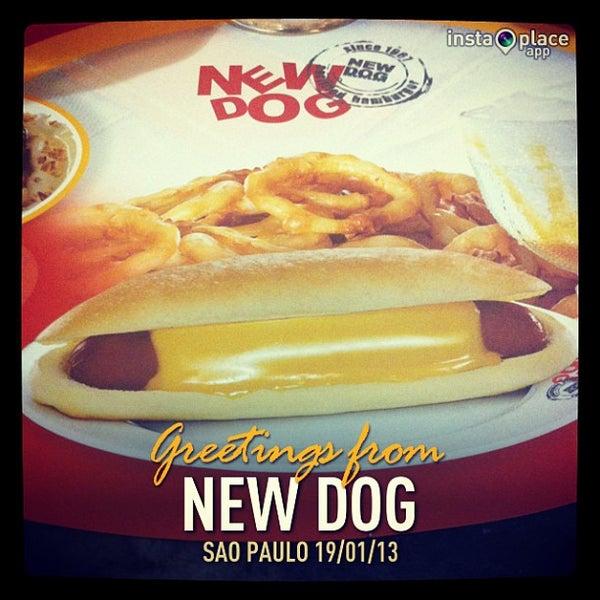 Foto tirada no(a) New Dog por Antonio P. em 1/20/2013